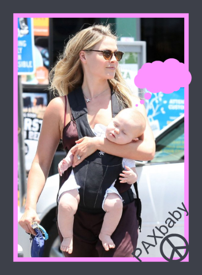Celebrity babywearing *Ali Larter*