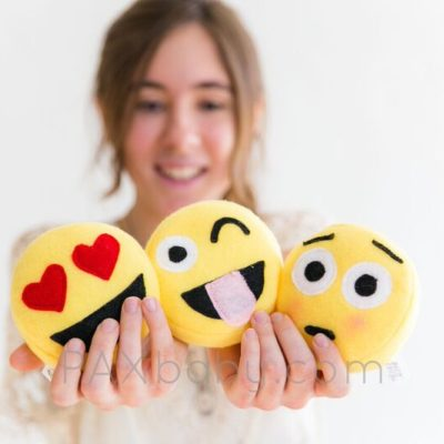 PAXbaby_DaisyChainCo_Emoji_pillows__62489