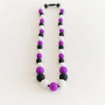 PAXbaby_Exclusive_Andys_Room_PurpleWhiteBlack_silicone_teething_necklace__93065